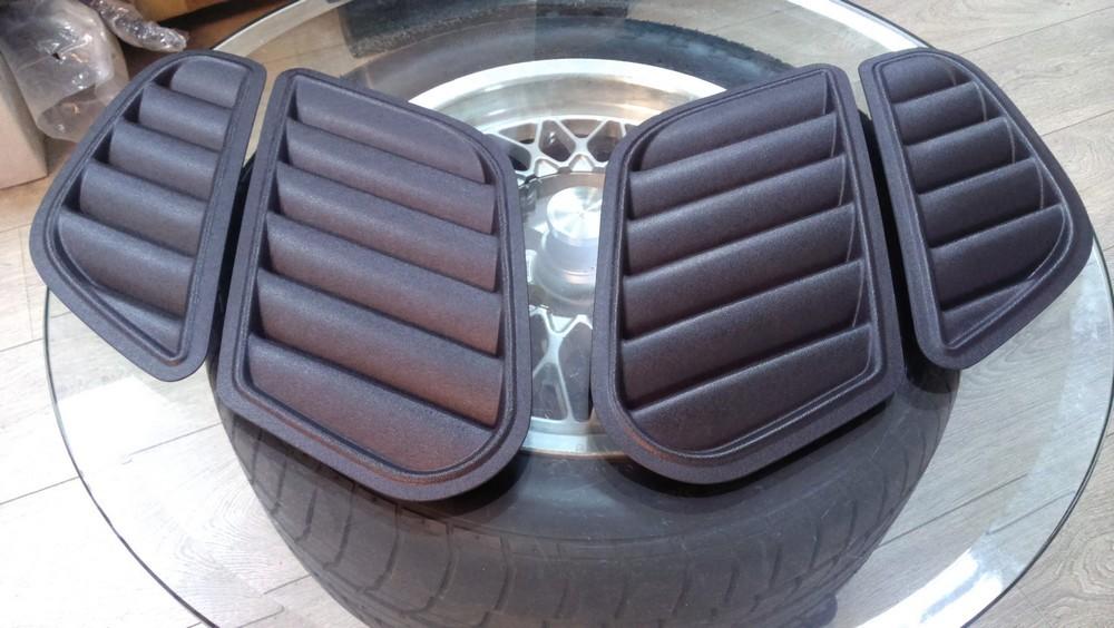 .Имитация воздухозаборников в капоте BMW E39/E46 в стиле GTR
