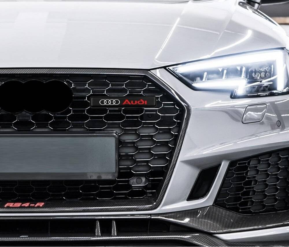 .Эмблема на решетку радиатора Audi