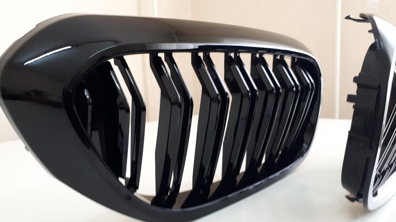 .Решетка радиатора (ноздри) BMW G30 / G31 стиль M черная глянцевая