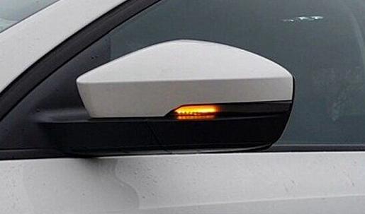 .Динамические указатели поворота Skoda Octavia A7, дымчатые