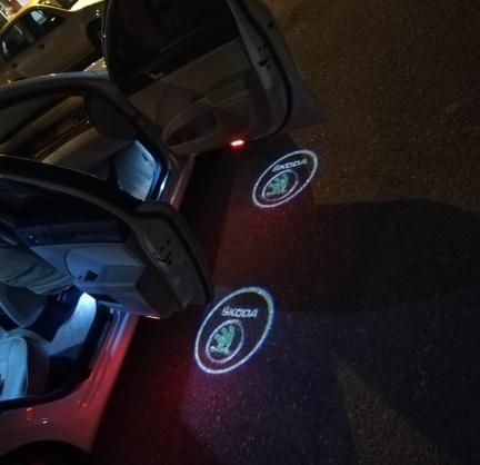 .Подсветка дверей с логотипом авто Skoda