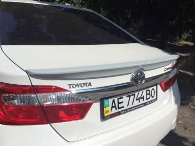 Спойлер лип багажника Toyota Camry 50/55 (ABS-пластик)