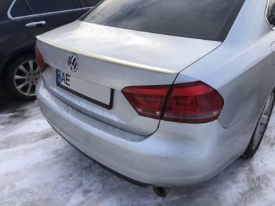 Спойлер багажника VW Passat B7 ABS-пластик (американка)