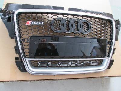 Решетка радиатора Audi A3 RS3 Quattro с хромовой обводкой (2008-2012)