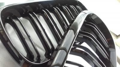 Решетка радиатора на BMW X5 F15 М черная глянцевая