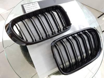 .Решетка радиатора (ноздри) BMW X3 F25 черная глянцевая (2010-2014)