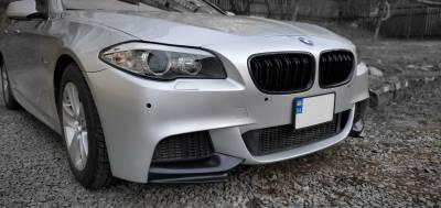 Накладки на передний бампер BMW F10 М пакет