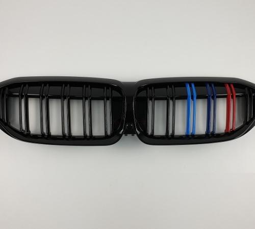 Решетка радиатора BMW G20 M черный глянец триколор