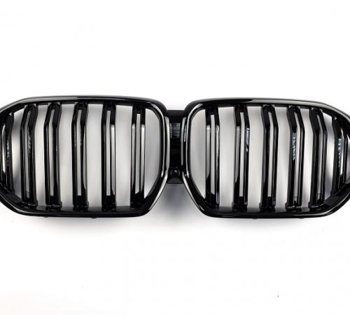 Решетка радиатора на BMW X6 G06 М черный глянец