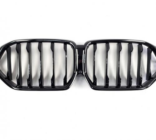 Решетка радиатора на BMW X6 G06 черный глянец