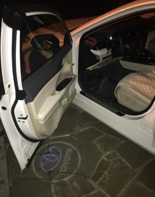 Подсветка дверей с логотипом для Toyota