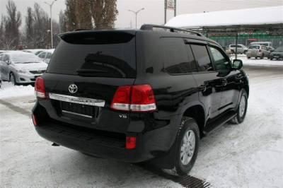 Спойлер козырек Toyota Land Cruiser 200 2007-2015