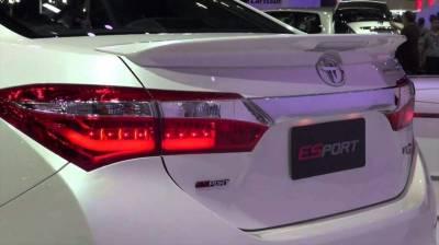 Спойлер на багажник Toyota Corolla со стоп сигналом стиль ESPORT