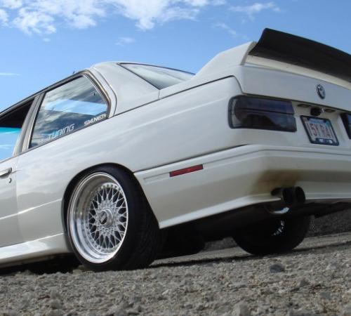 .Спойлер (накладка багажника) BMW e30 M3