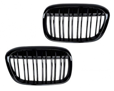 Решетка радиатора BMW X1 F48 М черная глянцевая