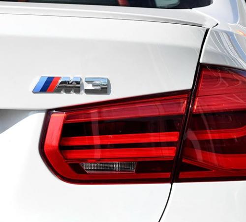 Наклейка-эмблема M3 на задний бампер BMW