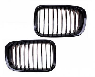 """Решетка радиатора, гриль, """"ноздри"""" BMW E46 чорная глянцевая"""
