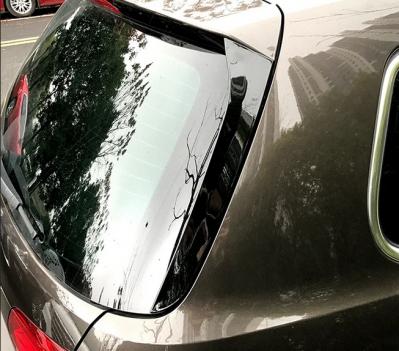 Боковые спойлеры на заднее стекло VW Passat B6 / B7