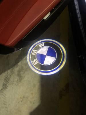 """Подсветка дверей BMW X5 E53 с логотипом """"BMW"""""""