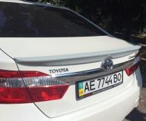.Спойлер лип багажника Toyota Camry 50/55